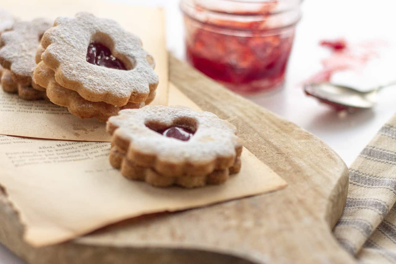 How to Make Vegan Agave Syrup Linzer Cookies