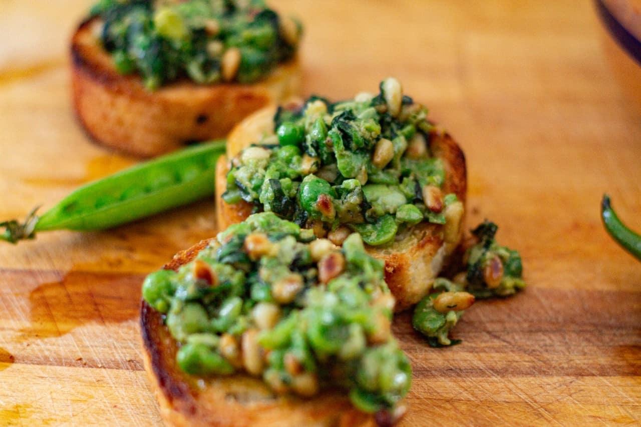 An Easy Broad Bean and Pea Vegan Pesto Recipe